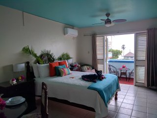 Azul, Studio suite, Ocean view, Beach front, 7 mile Beach