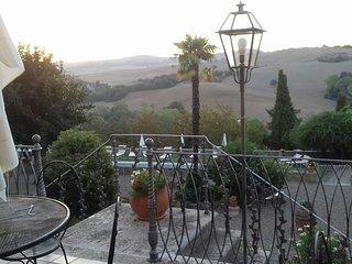 Glorious historic 4BDR Tuscan villa :pool ,garden,WiFi,AC