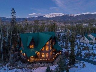8+ Bedroom Home is Heart of Winter Park, On shuttle route, sleeps 24+