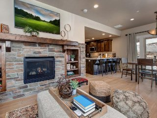 Chic, dog-friendly home w/ shared amenities including a pool and hot tub