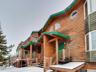 Comfy, convenient duplex w/ easy access to national forest & the slopes