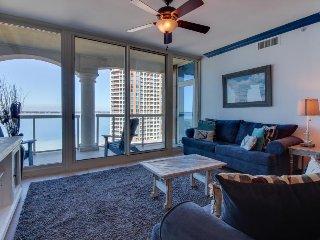 Stunning oceanview condo w/resort amenities like pool, sauna, hot tub, and more
