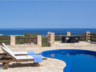 Private 3 Bedroom Villa with Pool and Sea Views - Grecian Villas - Dias Villa