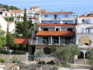 Villa Unique Mima  Room R5 for 2 persons in Murter-Tisno,beach area (Pets welcom