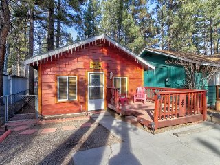 Cozy ski cabin with free WiFi near shops, restaurants, lake, & ski resorts!
