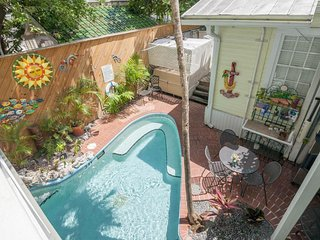 Ground-floor studio w/ shared heated pool - walking distance to everything!