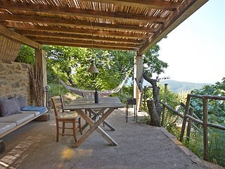 Il Baciarino : La Quercia ~ a rustic nature retreat with endless views