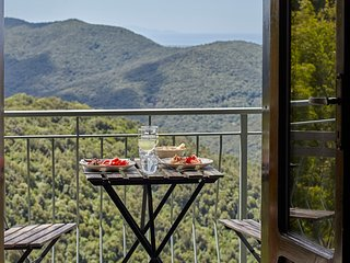 Il Baciarino : La Lucciola ~ a cozy cottage + balcony with endless Maremma views