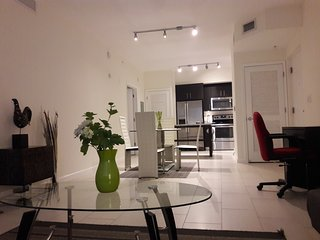 Special Offer Apartment in Doral for couple or family