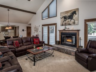 Cabin near Ski Run Road w/ WiFi, Fireplace, Grill, Hot Tub, Complex Golf & Pool