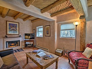 Authentic Santa Fe Custom Casita Near Downtown!