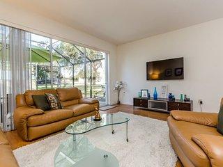 2562RS. Windsor Hills Resort 3 Bedroom 3 Bath Townhome with Splash Pool