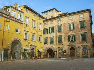 3 bedroom Apartment in Lucca, Tuscany, Italy : ref 5477094