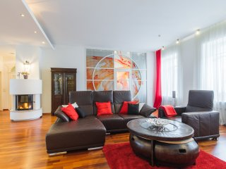 Luxurious 160m2 apartment in the heart of Spb