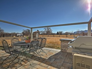 NEW! 3BR Escalante Home w/Yard, Porch & Mtn Views!