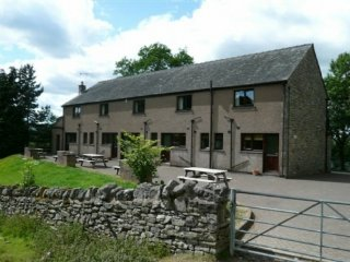 WOODSIDE COTTAGE 2. Pooley Bridge holiday park, WiFi, parking, lake views Ref: 9