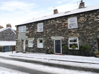 STYBARROW COTTAGE, wi-fi, parking, garden. Ref: 972494