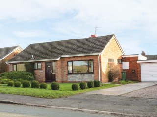BRANTWOOD, all ground floor, countryside views, Shrewsbury 4 miles, Ref 966675