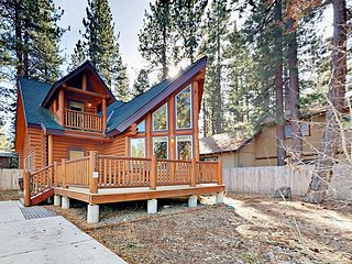 3BR Log Cabin w/ Game Room & Spacious Deck - Nearby Restaurants & Trails