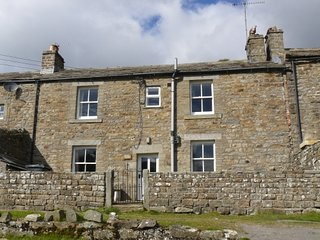 East Calvert House, Lovely, spacious Dales house, dogs welcome, sleeps 6, wifi