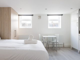 Studio Flat - 15 mins to Elephant & Castle 3c