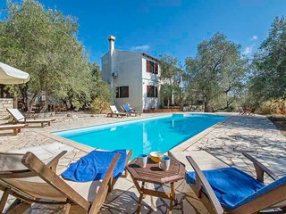 Villa Alkyon - 3 bedroom villa with a good sized swimming pool