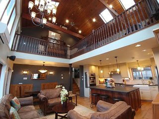 Dream Retreat Entire Compound Sleeps 29, Chicago--40min, 3+ nights request quote