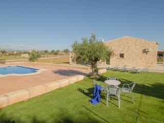 Villa Can Brivo con piscina para 8 personas.