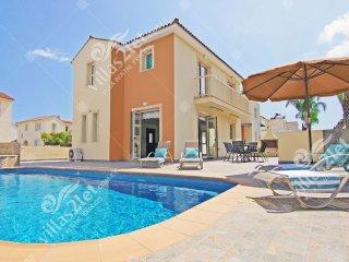 Cyprus Holiday Villa JANICE Profile