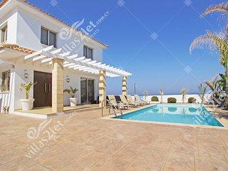 Cyprus Holiday Villa MAREN Profile
