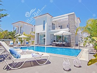 Cyprus Holiday Villa LYDIA Profile