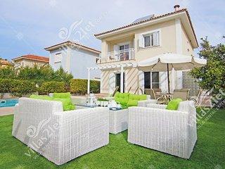 Cyprus Holiday Villa EMILY Profile