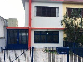 Quarto Inteiro em Casa Compartilhada_15min do Aeroporto_Free WIFI+Churrasqueira