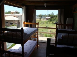 Abacate&Music BioHostel. Quarto privativo e Quarto compartilhado de 4 beliches