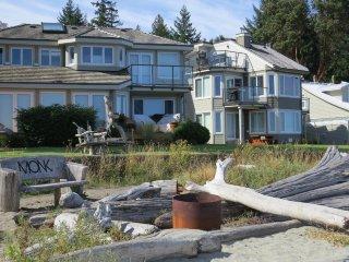 Stunning 3 bedroom Ocean View Townhome!
