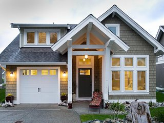 Beautiful Decorated 3 Bed Beach House in Waterfront Development