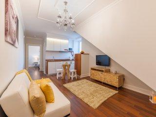 Historical House - Hillside Apartment