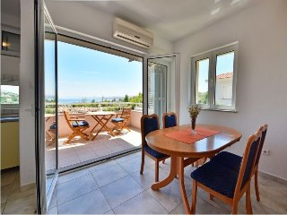 Apartment with sea view - Apartments Golub, Cesarica