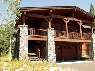 Alpenglow Chalet | Tamarack Resort | Sleeps 12