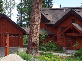The Bear Den | Tamarack Resort | Sleeps 8