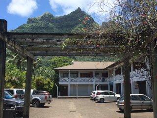 Appartement à Bora Bora à 500 mètres du quai d'arrivée climatisé meublé équipé