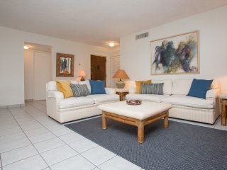 Spacious and Comfortable 2BD/2BT Apartment in Kendall