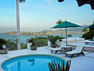 Amazing Villa Sirena in Las Brisas - Acapulco Residential
