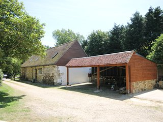 Pond Cottage Yafford Isle of Wight 18th century barn conversion, sleeps 4/5