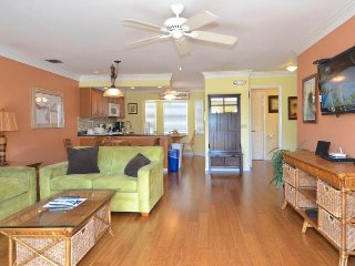 Colorful condo w/ deck, balcony & shared pool - near downtown & beaches