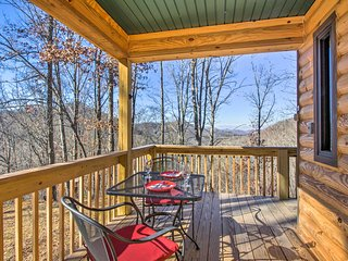 NEW! 1BR Bryson City Cabin w/Hot Tub & Mtn. Views