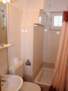 A8(5): bathroom with toilet