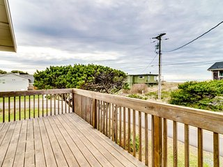 Beautiful oceanview home with 2 decks in tranquil setting - close to town
