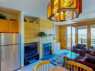 Cozy condo w/ a shared pool & hot tub, modern comforts & resort amenities!
