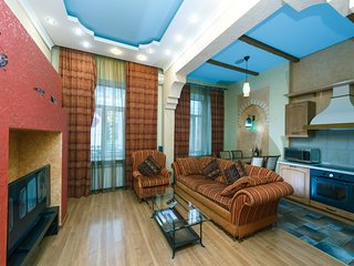 Two-room. Luxe. 5a Baseina str. Centre of Kiev